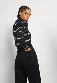 Monki - Trousers - black dark - 3