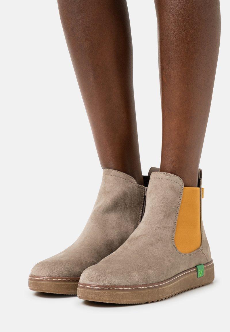 Jana - VEGAN - Ankle boots - stone/saffron