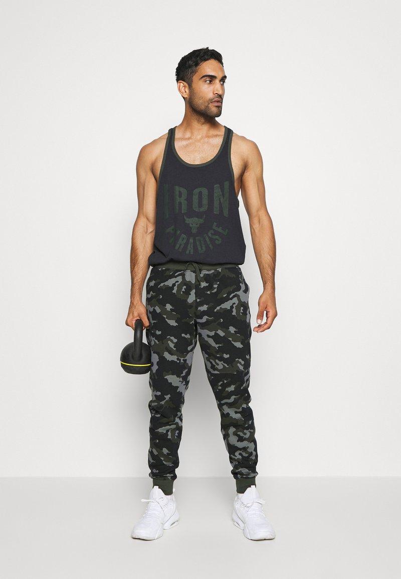 incluir Injusto habilidad  Under Armour RIVAL - Pantalon de survêtement - baroque green/kaki -  ZALANDO.FR