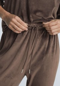 OYSHO - Tracksuit bottoms - brown - 4