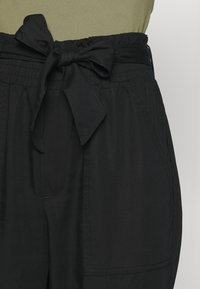 Abercrombie & Fitch - UTILITY - Trousers - black