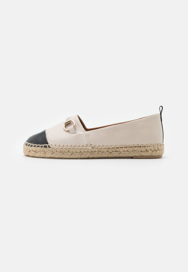 Espadrille - black/white