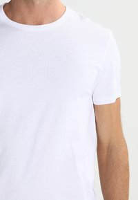 Pier One - 2 PACK - Basic T-shirt - white - 4