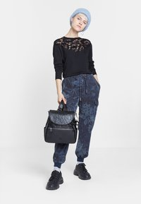 Desigual - MALALA - Pantalon de survêtement - blue - 1