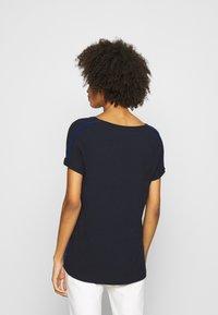 comma casual identity - Print T-shirt - blue - 2