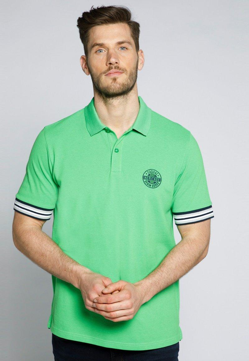 JP1880 - GROSSE GRÖSSEN - Polo shirt - apfelgrün