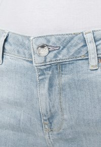 ONLY - ONLCARMEN LIFE - Skinny džíny - light blue denim - 5