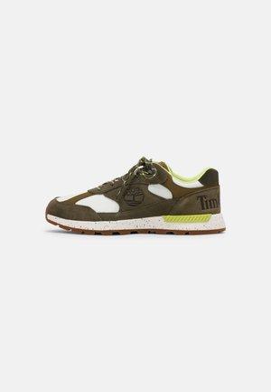 FIELD TREKKER  - Sneakers basse - dark green