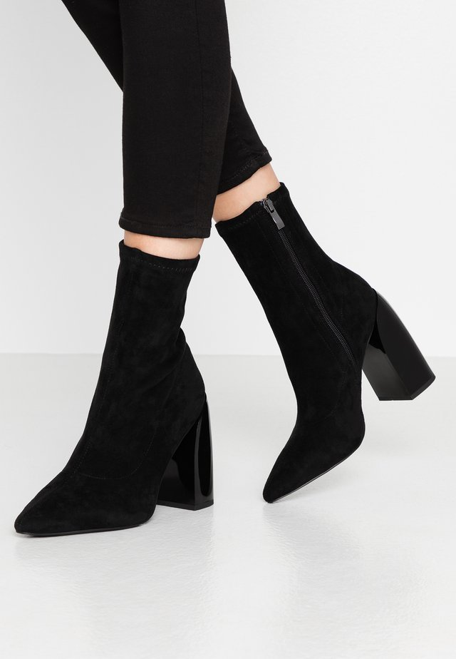 TIGHT SHAFT BLOCK BOOTIES - High heeled ankle boots - black