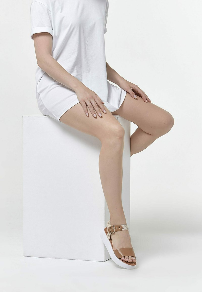 Betsy - Sandals - light brown   beige