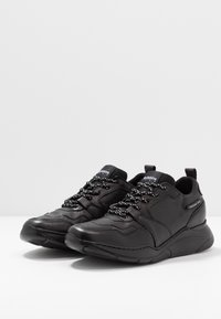 Redskins - YMAD - Trainers - noir - 2