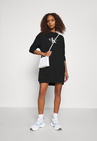 Calvin Klein Jeans - MONOGRAM CREWNECK DRESS - Sukienka letnia - black - 1