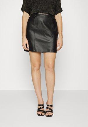 ONLPIA SKIRT - Spódnica mini - black
