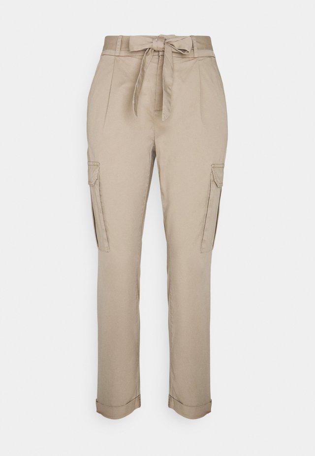 VMEVA PAPERBAG CARGO - Spodnie materiałowe - silver mink