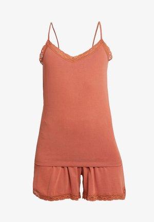 PCCUMA SET - Pyjama set - redwood