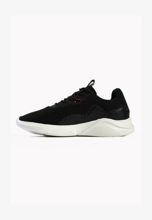 CURTIS - Sneakersy niskie - black