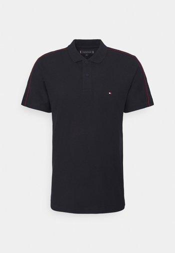 CLEAN SLEEVE TAPE REGULAR - Polo shirt - desert sky