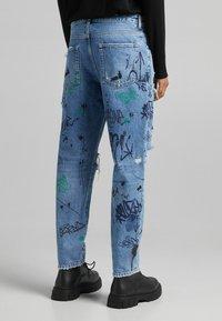 Bershka - STRAIGHT - Relaxed fit jeans - blue denim - 2