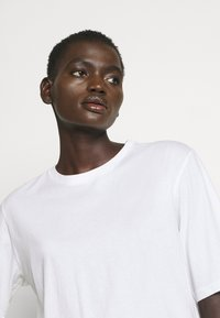 Filippa K - CLARA TEE - Jednoduché triko - white - 4