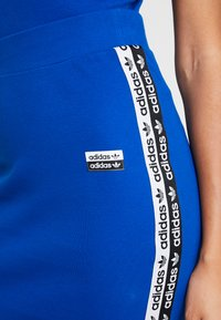 adidas Originals - SKIRT - Pennkjol - collegiate royal - 5