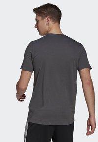 adidas Performance - AEROREADY DESIGNED 2 MOVE SPORT T-SHIRT - T-shirts print - grey - 1