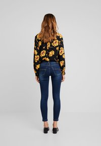 Herrlicher - TOUCH CROPPED - Jeans Skinny Fit - clean - 2