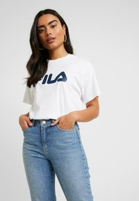 Fila Petite - PURETEE PETITE - Camiseta estampada - bright white - 0