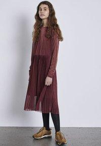 LMTD - Vestido informal - henna - 0