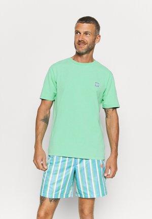 MARK - T-shirt z nadrukiem - jade cream