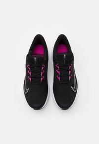 Nike Performance - QUEST 3 - Obuwie do biegania treningowe - black/metallic cool grey/dark smoke grey - 3