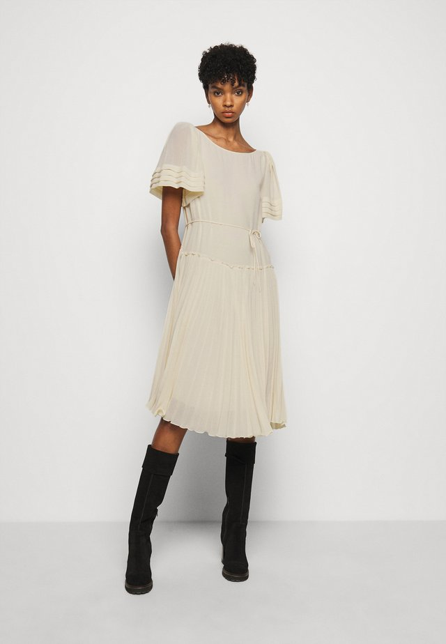 Day dress - angora beige