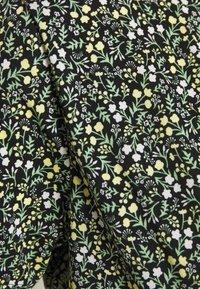 Pieces - PCEMANUELLE  - Kjole - black/popcorn/green - 2