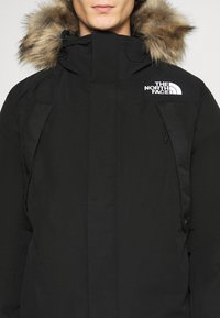 The North Face - NEW OUTERBOROUGHS JACKET - Down coat - black - 7