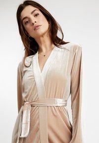 OW Intimates - KATRINA ROBE - Dressing gown - almond - 3