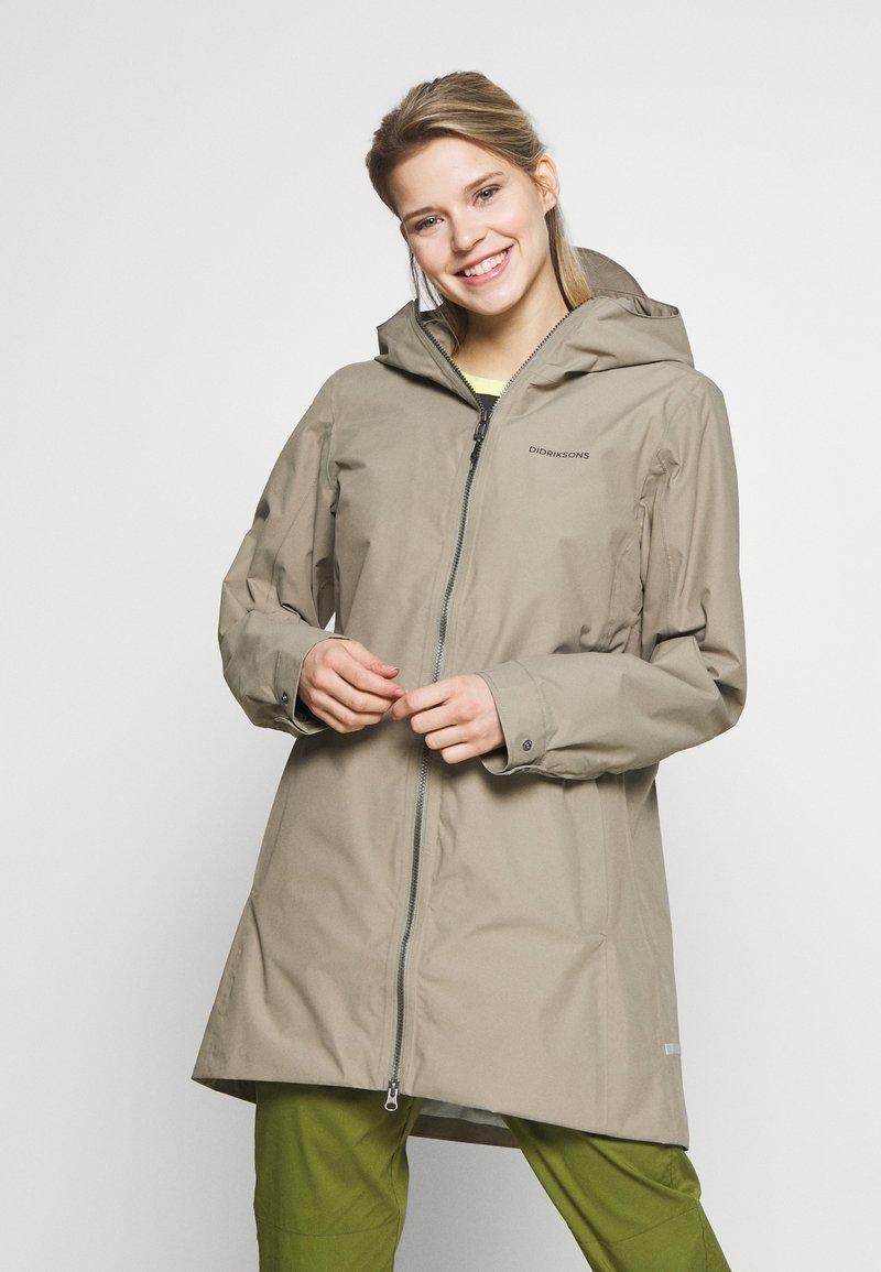 Didriksons - MIRANDA WOMEN'S PARKA - Waterproof jacket - mistel green