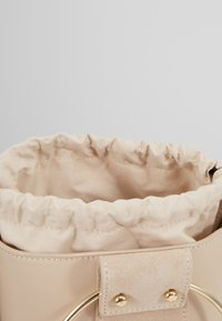 Repetto - MANEGE - Kabelka - beige - 5