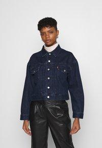 Levi's® - NEW HERITAGE TRUCKER - Jeansjakke - dark blue denim - 0