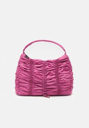 RUCHED DRAWSRTING SHOUDLER - Handbag - rasberry