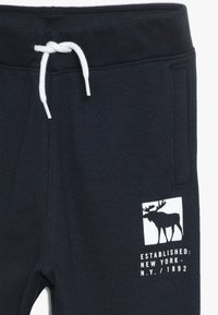 Abercrombie & Fitch - CORE LOGO - Träningsbyxor - navy solid - 4