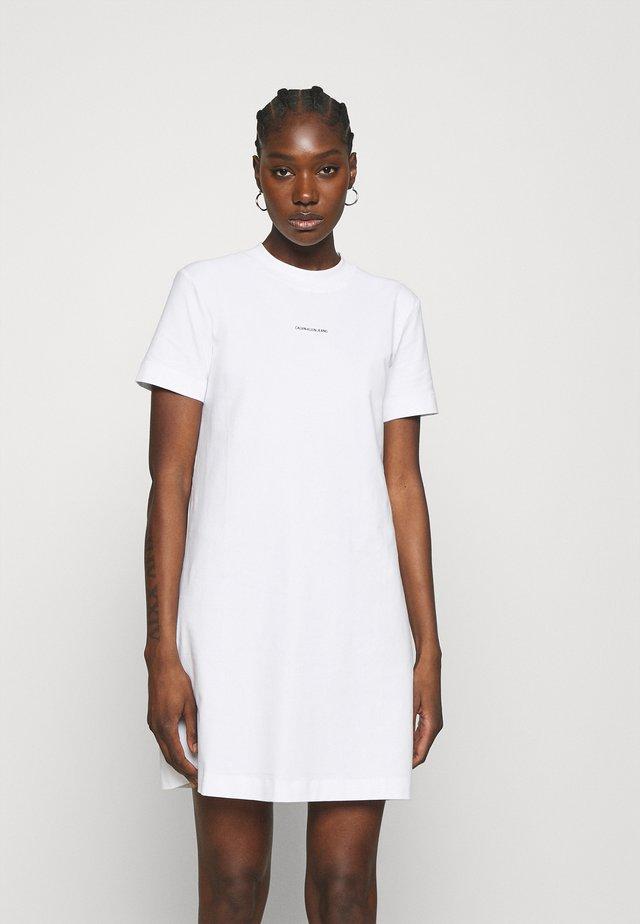 MICRO BRANDING DRESS - Sukienka z dżerseju - bright white