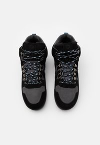 Hummel - NORDIC ROOTS FOREST MID UNISEX - Sneakersy wysokie - black - 3