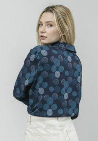 Brava Fabrics - HANA BLOOM - Button-down blouse - blue - 2