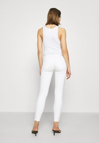 ONLY - ONLCORAL SKINNY ANK DEST  - Jeans Skinny Fit - white - 2