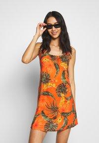 Banana Moon - HEIVA - Beach accessory - orange - 1