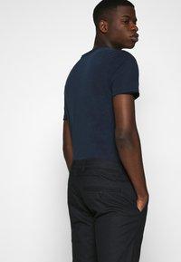 Gabba - MARCEL TEE - Basic T-shirt - eclipse - 3