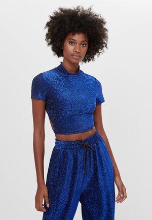 MIT SCHNÜRUNG  - T-shirt imprimé - blue
