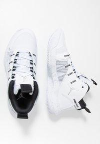 Jordan - JUMPMAN 2020 - Koripallokengät - white/metallic silver/black - 1