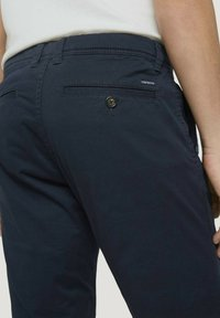 TOM TAILOR - JOSH  - Shorts - dark navy minimal design - 4