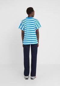 Won Hundred - BROOKLYN STRIPE - Print T-shirt - imperial blue / white - 2