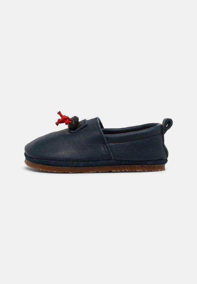BAREFOOT CORDEL OUTDOOR UNISEX - Scarpe senza lacci - blau